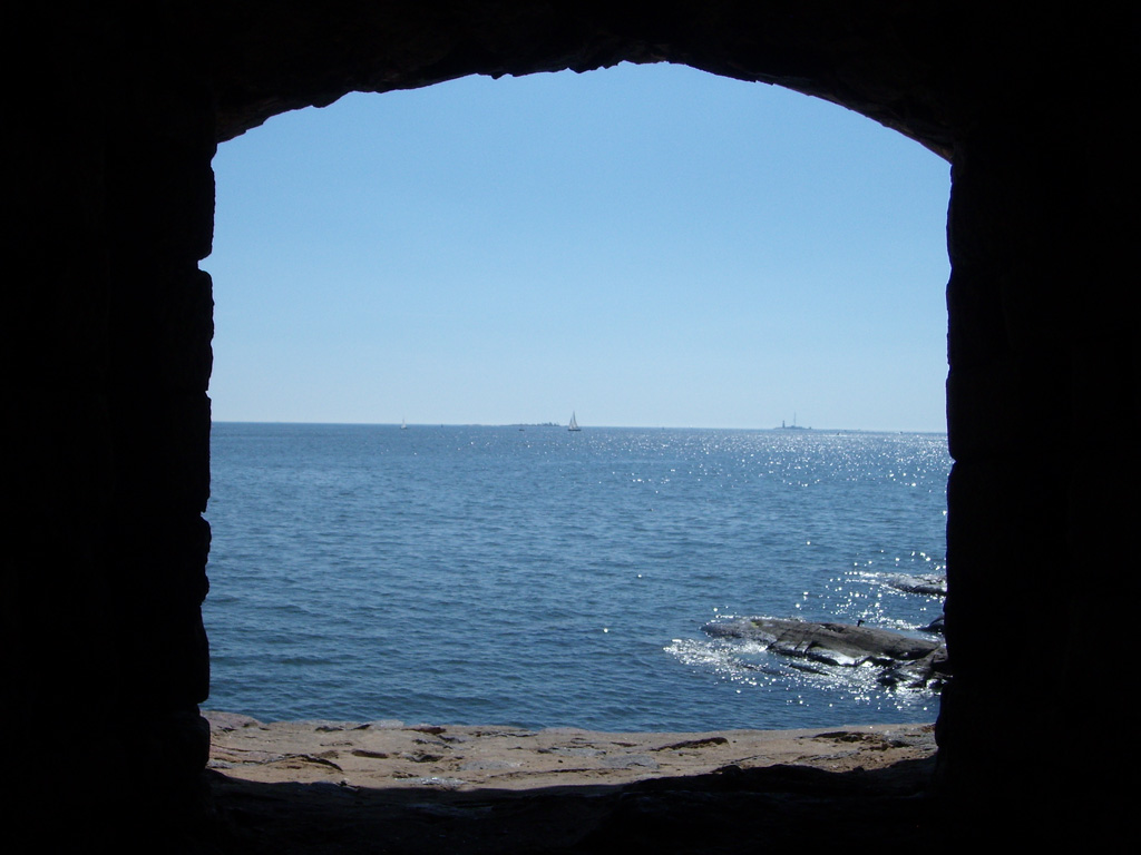 http://www.pachd.com/free-images/nature-images/sea-view-window-01.jpg